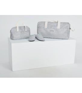 Bolsa maternal neceser y zapatillas
